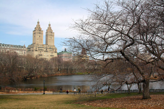 """The Lake"" und Twin Towers of Central Park West"